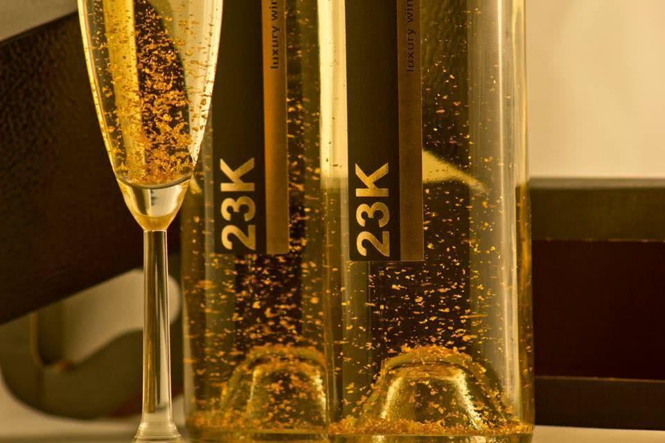 Что подают к шампанскому полусладкому