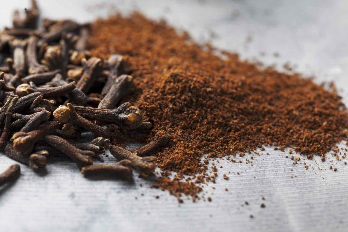 Рецепт приготовления настойки из гвоздики в домашних условиях?