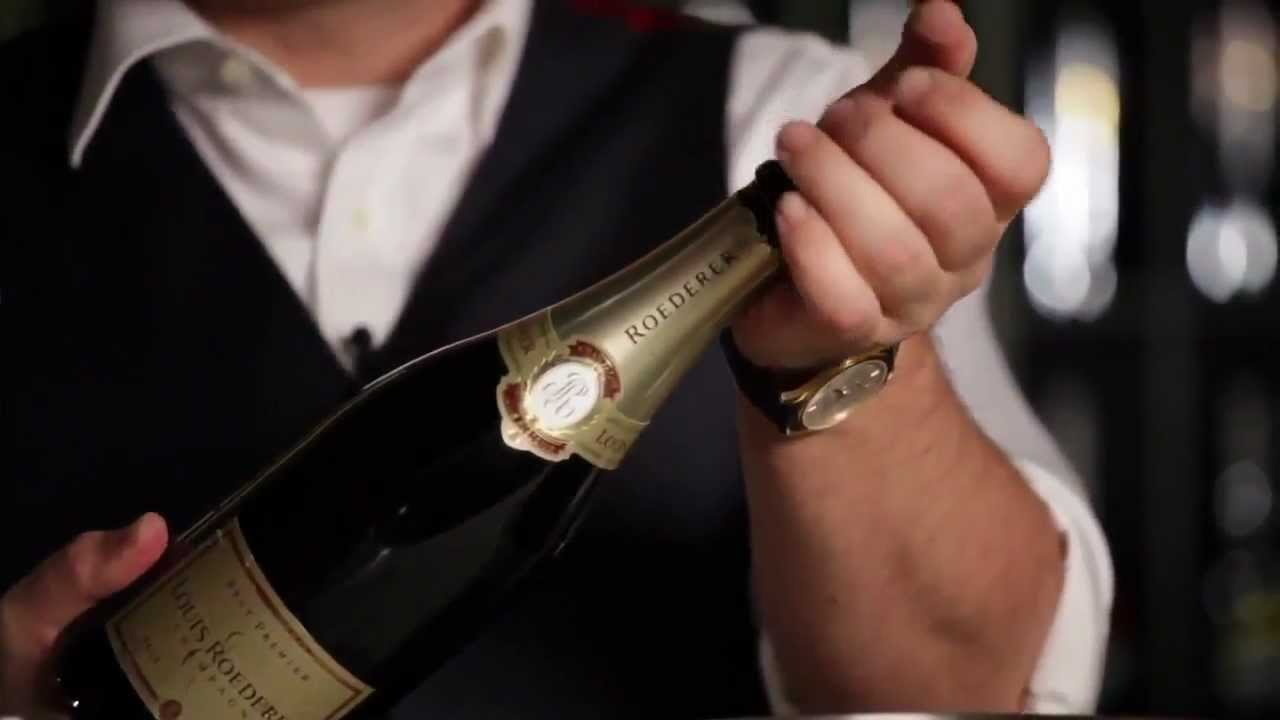 Как лучше открыть шампанское