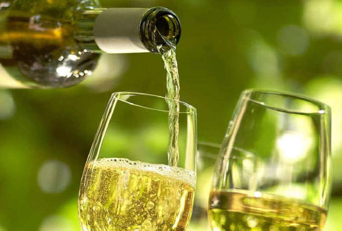 Как правильно добавлять сахар в вино?
