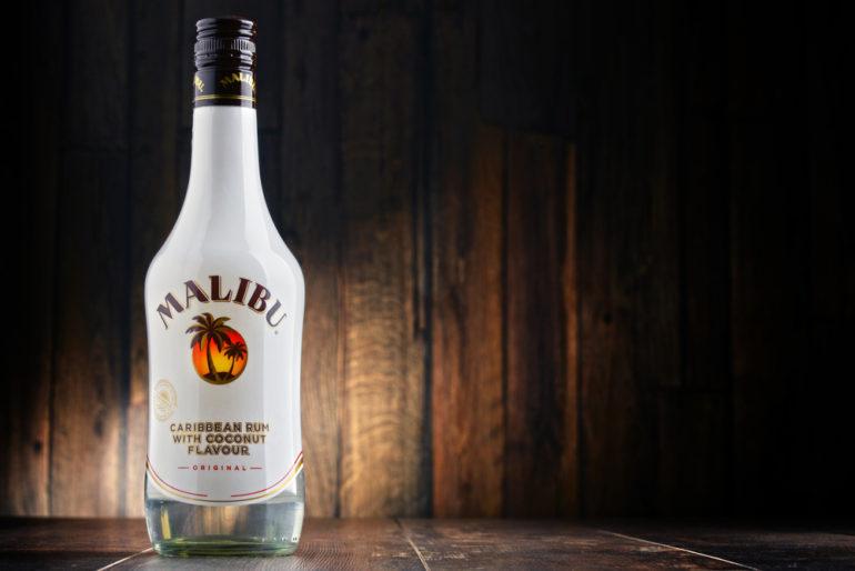 Ром «Malibu»