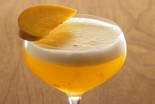 Беллини коктейль с шампанским