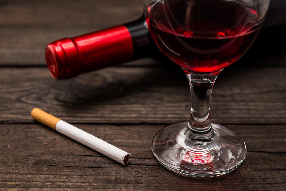 Как сочетаются вино и сигареты?