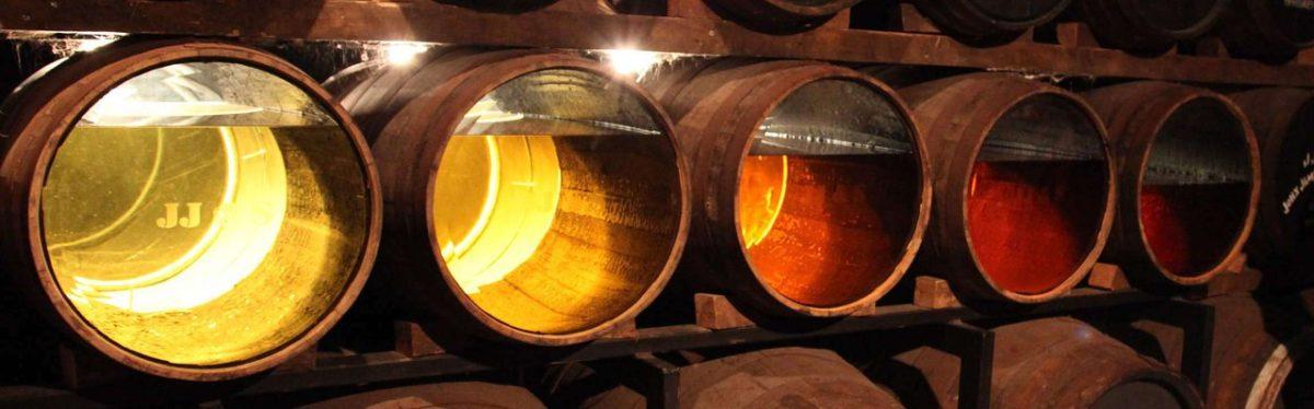Выдержка алкоголя в бочках