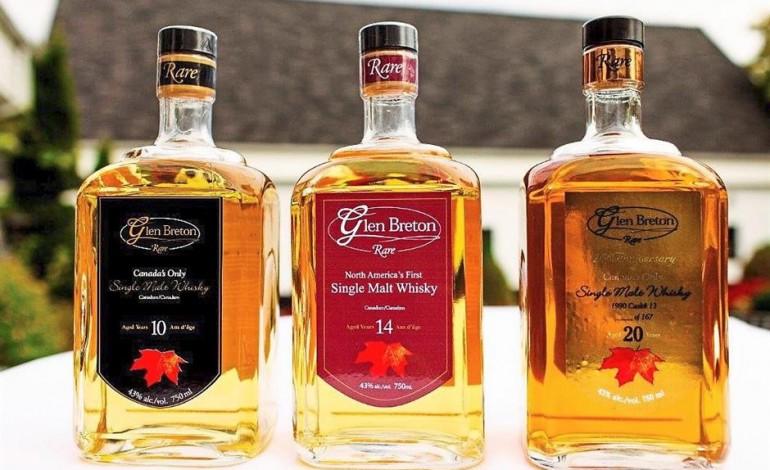 С самого начала технология производства канадского виски не слишком отличалась от шотландского и ирландского изготовления. Традиционное изготовление виски производится из соложеного ячменя в медных кубах.